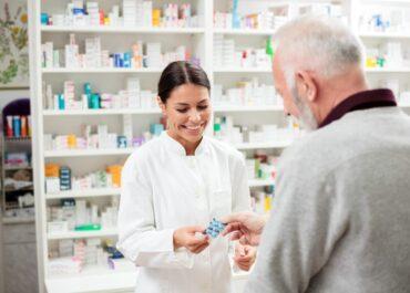 Komunikimi efektiv mes farmacistit dhe pacientit