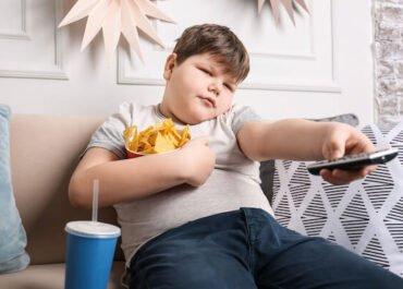 Pandemia po shton rrezikun e obezitetit, veçanërisht te fëmijët
