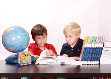 Si t'i ndihmojmë fëmijët të kenë rezultate më të larta në shkollë?